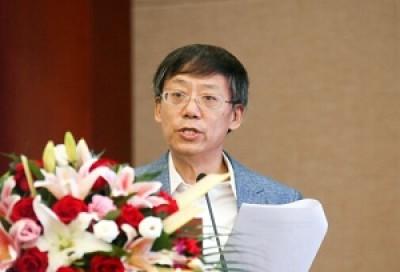 中央民族大学外国语学院教授何克勇先生致辞